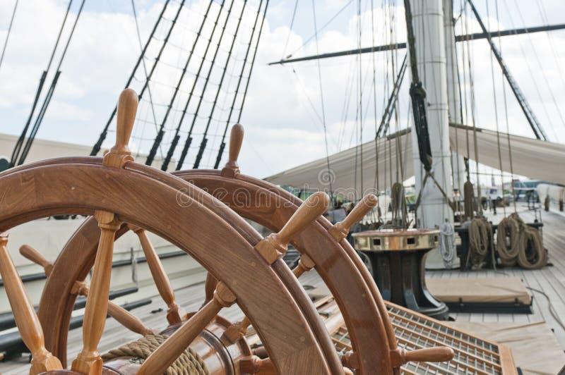 Rotella di grande nave di navigazione immagine stock