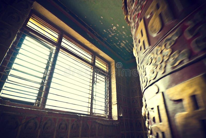 Rotella di preghiera tibetana fotografia stock