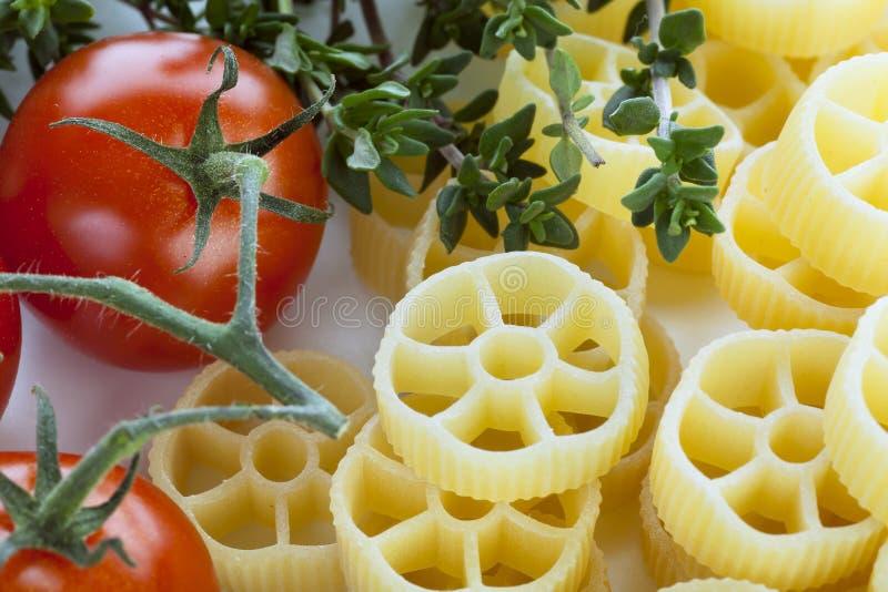 Rotelle et ingrédients photo stock