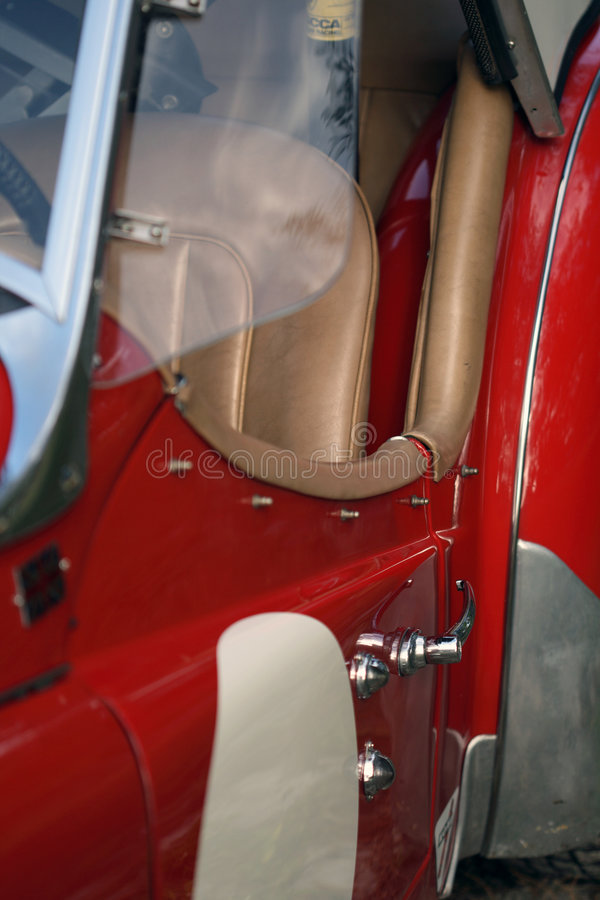 Roter britischer Rennwagen der Weinlese lizenzfreie stockbilder