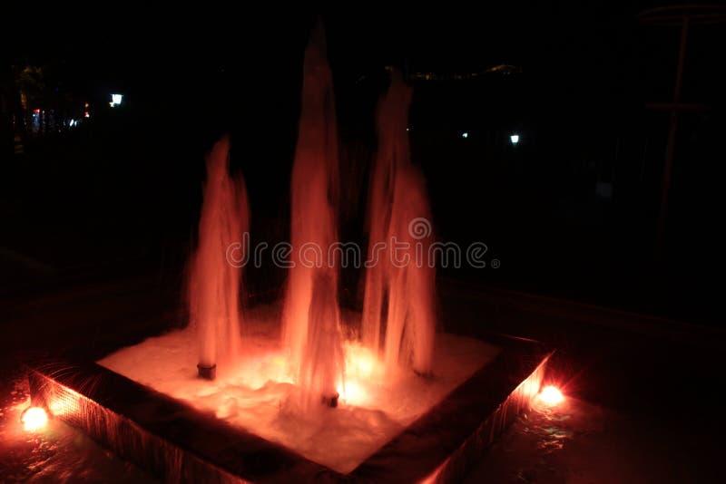 Roter Brunnen stockbild
