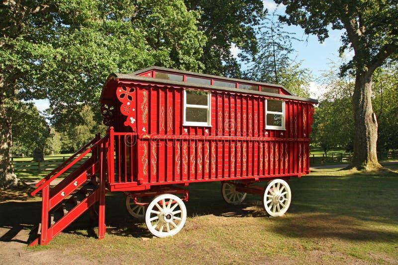 Roter hölzerner Stagecoach stockbild