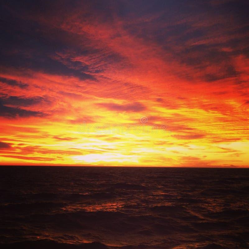 Roter Himmel lizenzfreies stockfoto