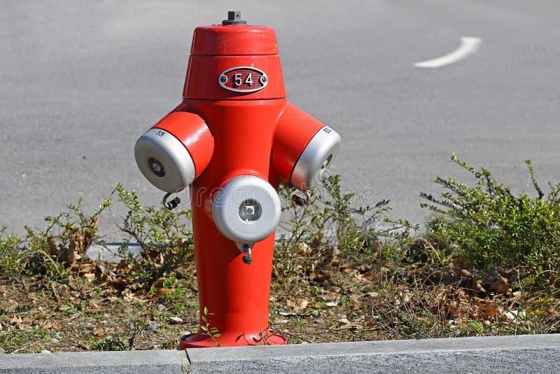 Roter Hydrant lizenzfreies stockfoto