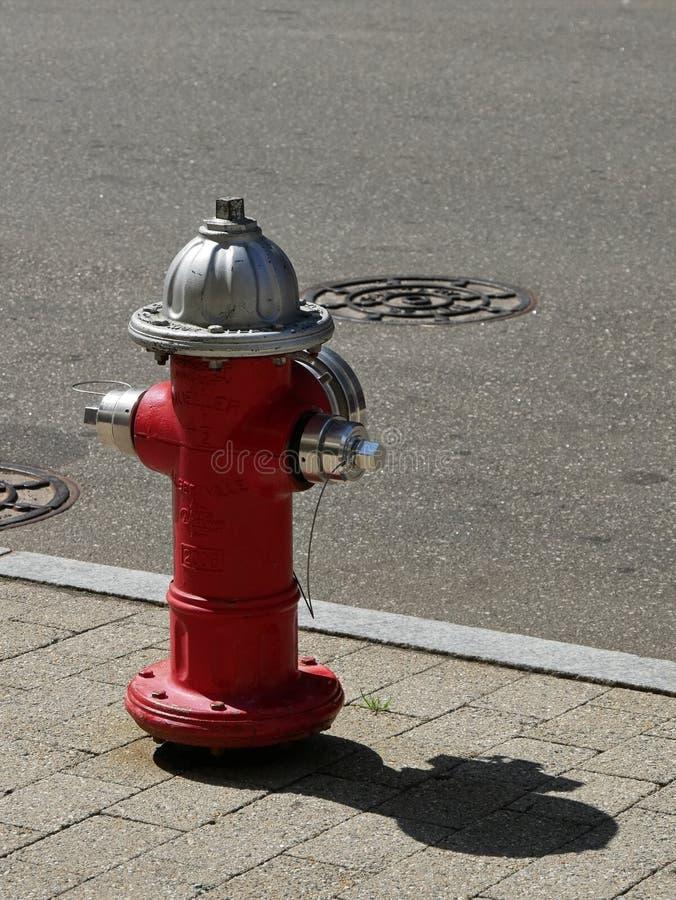 Roter Hydrant stockfotografie