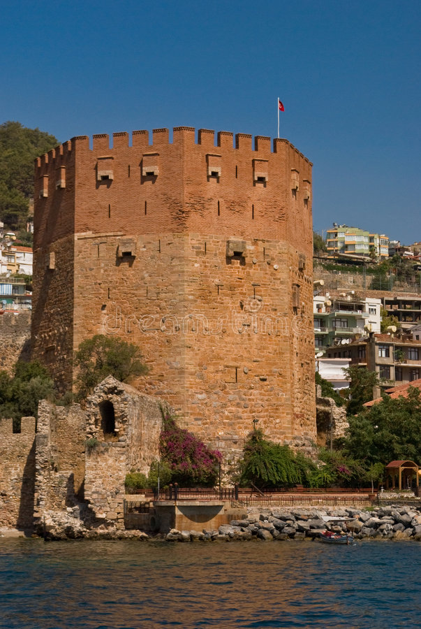 Roter Kontrollturm in Alanya - der Türkei lizenzfreies stockbild