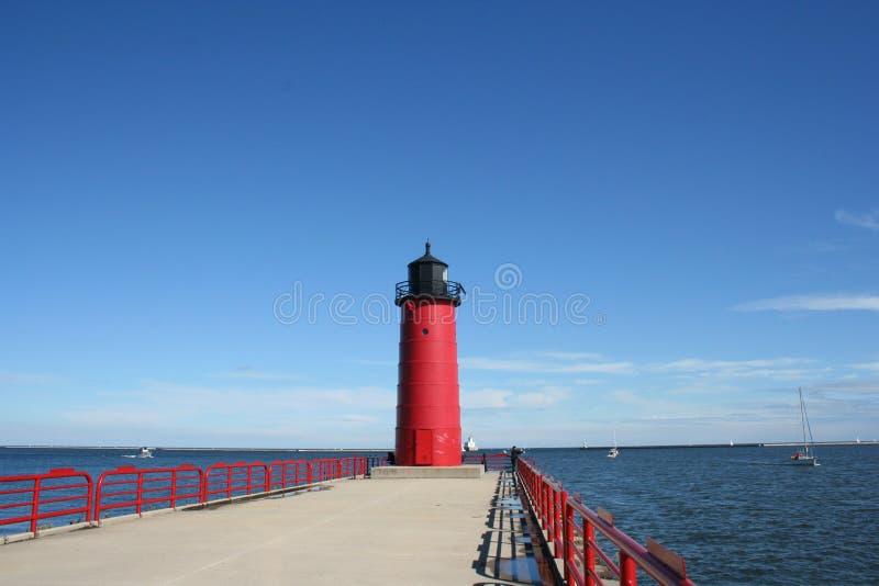 Roter Leuchtturm stockfotografie