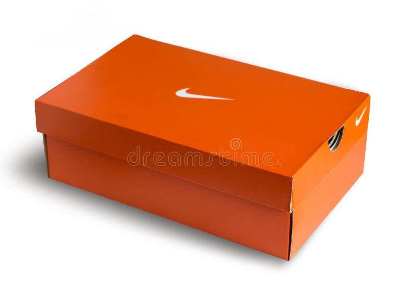 Roter Nike-Schuhkasten stockbild