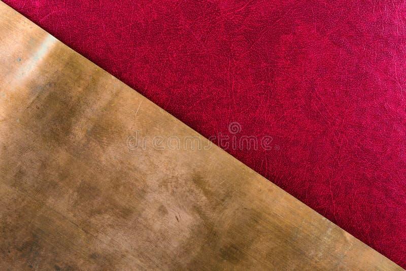 Roter Papier- und Kupferbronzehintergrund des alten strukturierten Musters stockfotos