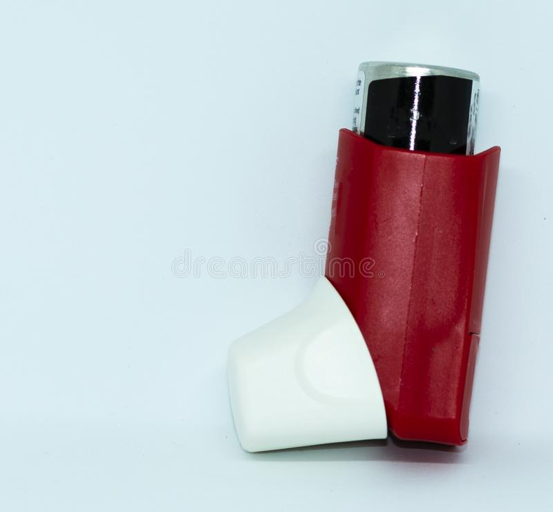 Roter Rettung asthman Inhalator stockfotos