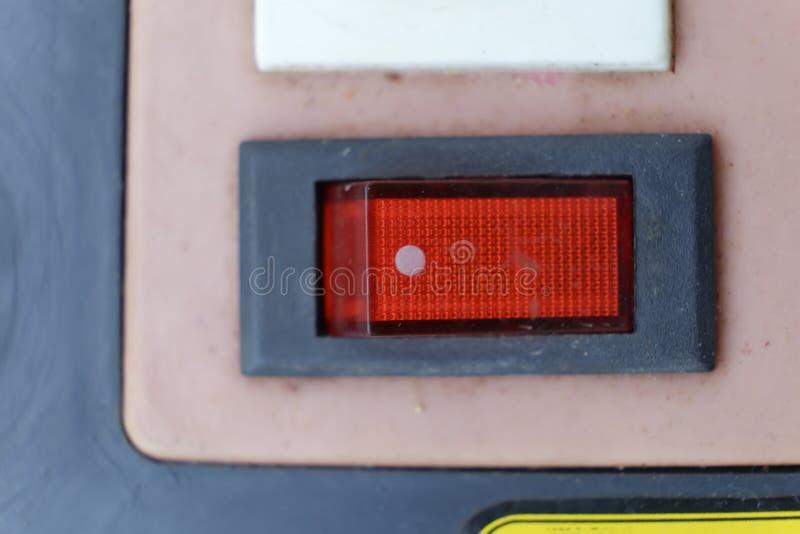 Roter Schalter lizenzfreie stockfotos
