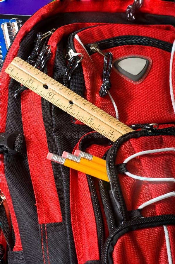 Roter Schule-Rucksack stockfoto