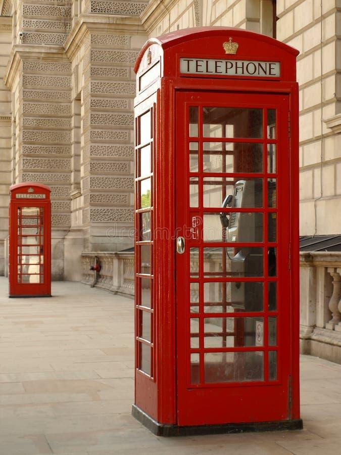 Roter Telefon-Kasten stockbilder