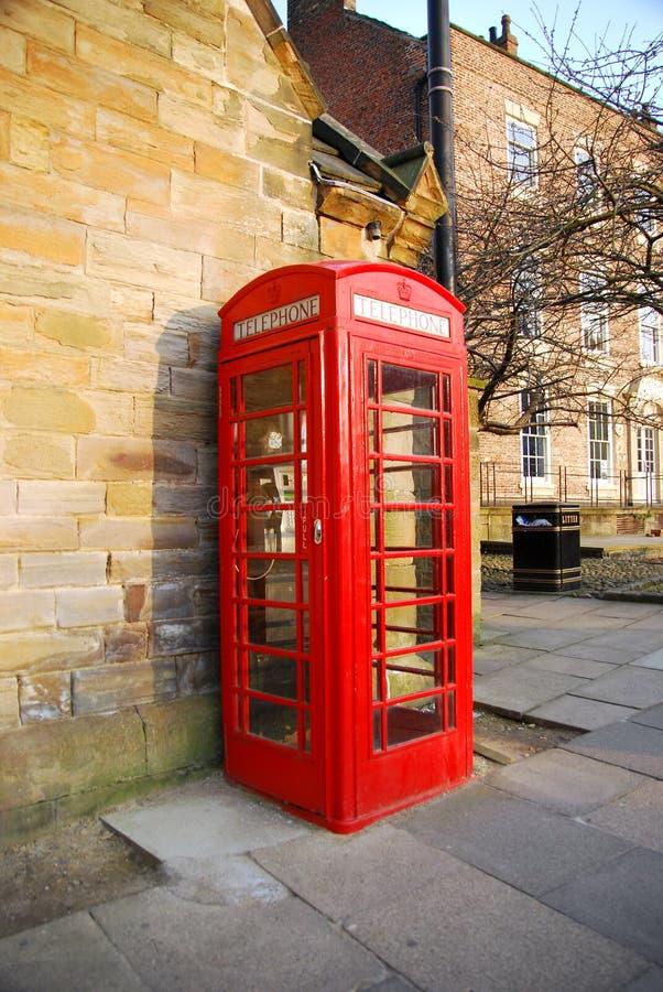 Roter Telefon-Stand stockfoto