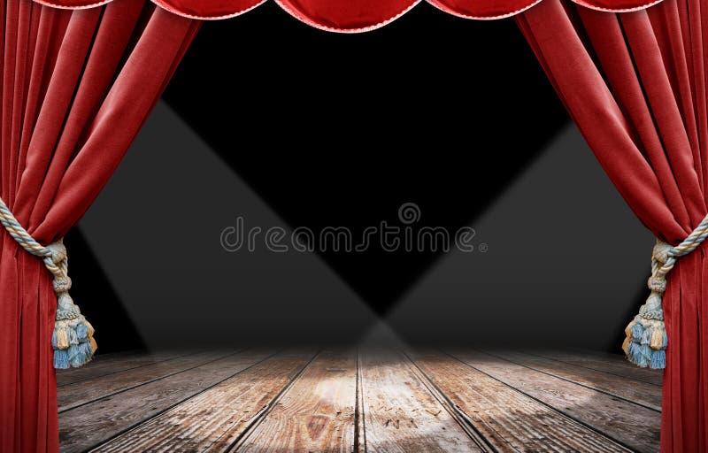 Roter Trennvorhang und Scheinwerfer lizenzfreies stockfoto