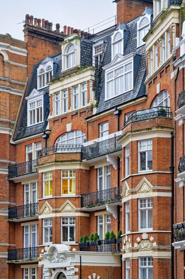 Roter Ziegelstein-Villa, London lizenzfreie stockfotografie
