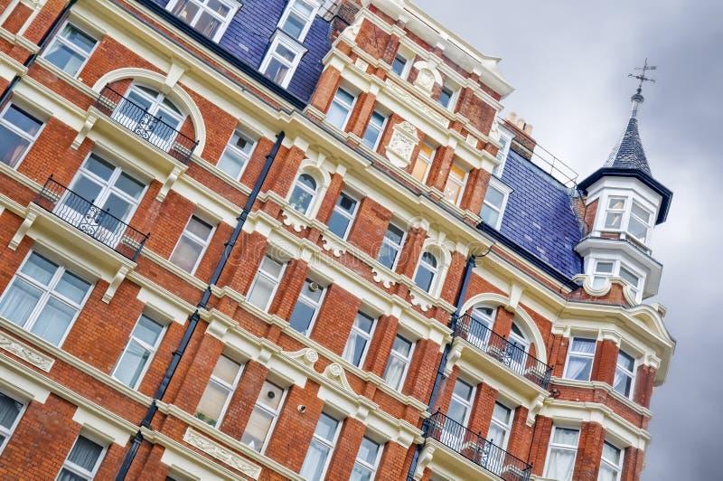 Roter Ziegelstein-Villa, London lizenzfreies stockfoto