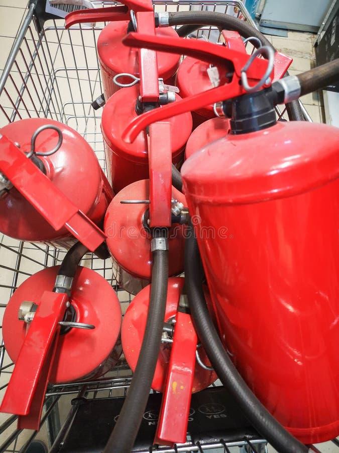 Rotes Becken des Feuerl?schers ?berblick ?ber eine leistungsf?hige industrielle Feuerl?schanlage Notausrüstung für industrielles lizenzfreie stockfotos