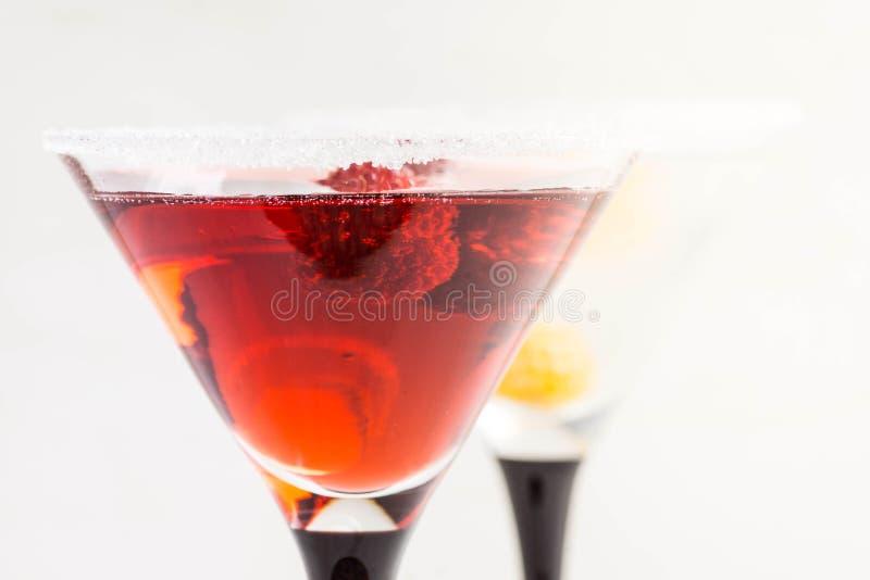 Rotes Cocktail mit Himbeere lizenzfreie stockbilder