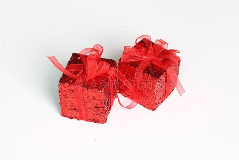 Rotes Geschenk stockbild