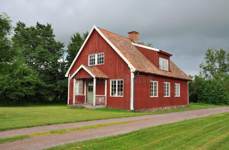 Rotes hölzernes Haus lizenzfreie stockfotos