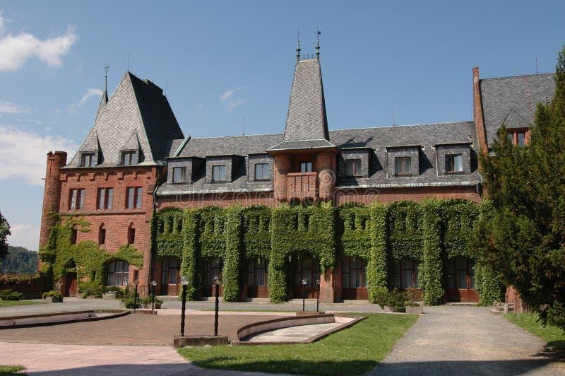 Rotes Schloss lizenzfreie stockfotos