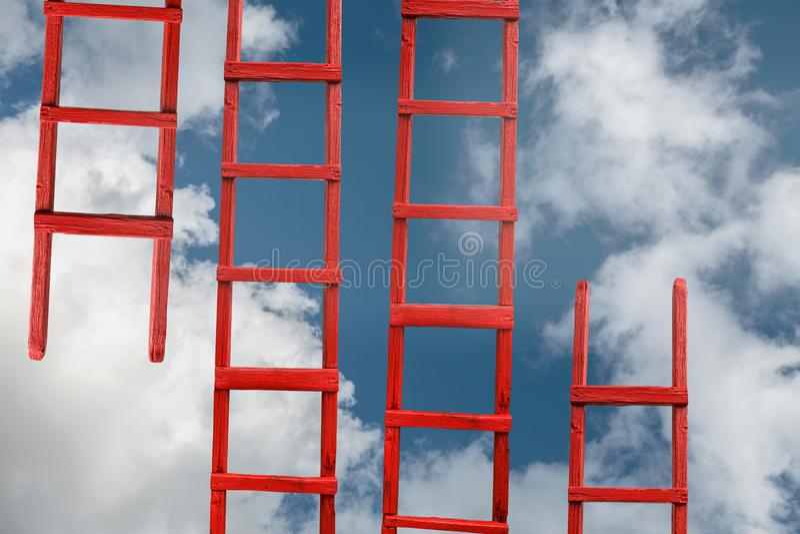 Rotes Treppenhaus zum Himmel Die Straße zum Erfolg Leistung der Ziel-Karriere-Metapher lizenzfreie stockfotos