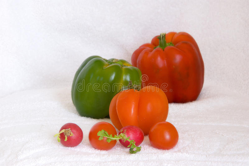 Rotes und grünes Gemüse stockfotos