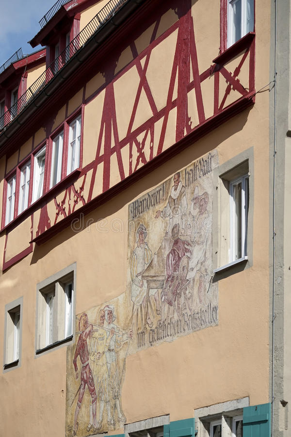 ROTHENBURG, GERMANY/EUROPE - 26 ΣΕΠΤΕΜΒΡΊΟΥ: Τοιχογραφία σε έναν ζωηρόχρωμο στοκ εικόνα με δικαίωμα ελεύθερης χρήσης