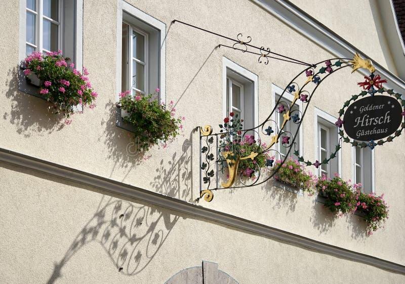 ROTHENBURG, GERMANY/EUROPE - 26 DE SEPTIEMBRE: Hotel Goldener Hirsc fotos de archivo
