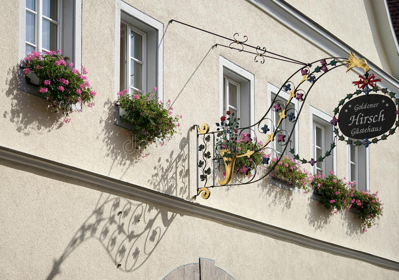 ROTHENBURG, GERMANY/EUROPE - 26 SEPTEMBER: Hotel Goldener Hirsc stock foto's