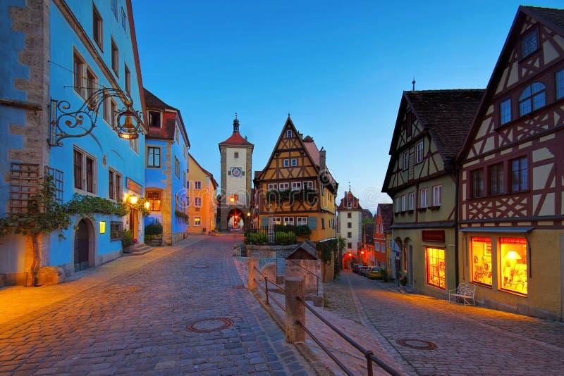 Rothenburg Ploenlein na noite imagem de stock