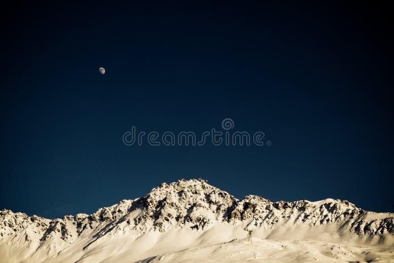 Rothorn moon fotografering för bildbyråer