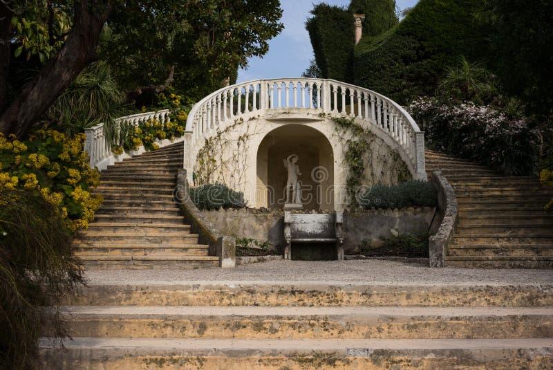 Rothschild trädgårdar och villa royaltyfri bild