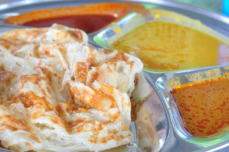 Roti canai płaski chleb, Indiański jedzenie zdjęcia royalty free