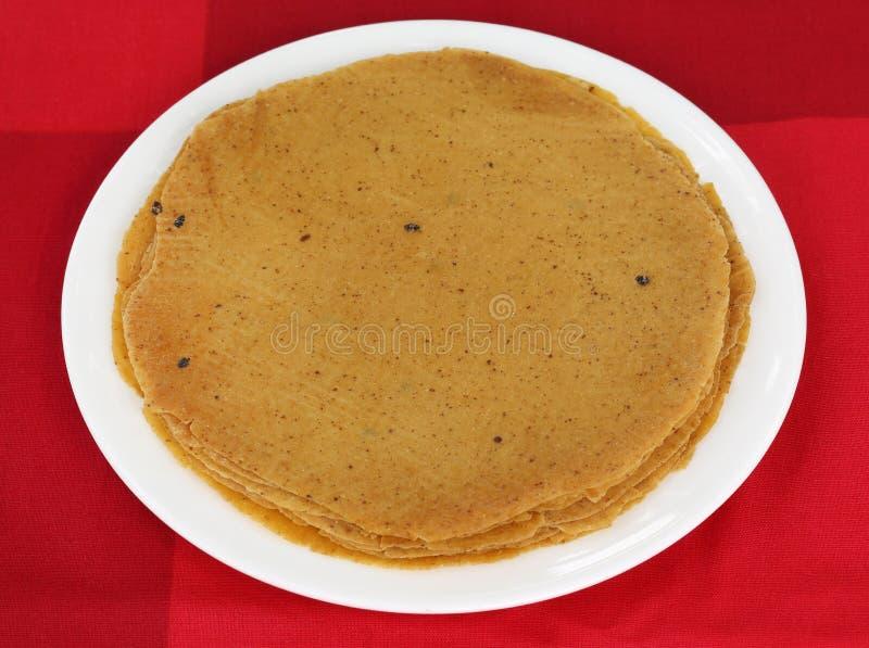 Roti chleb robić banatki i soczewicy mąka obraz stock