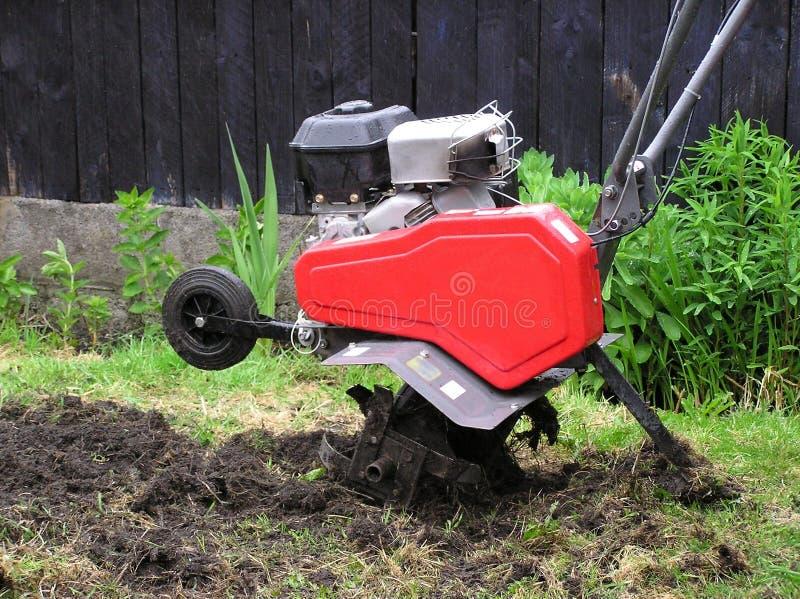 Download Rotivator 库存图片. 图片 包括有 挖掘者, 灌溉, 庭院, 设备, 从事园艺, 痛苦, 机械, 问题的 - 176333