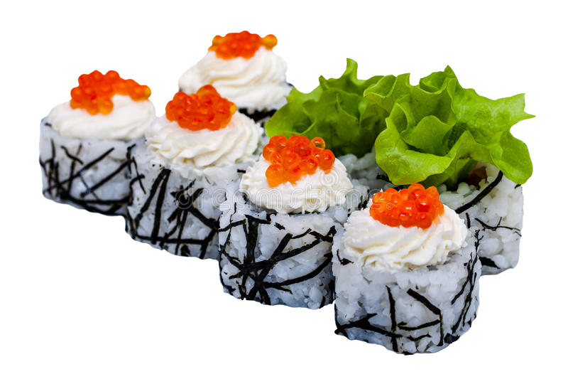 Rotoli di sushi con il caviale isolato su fondo bianco fotografia stock