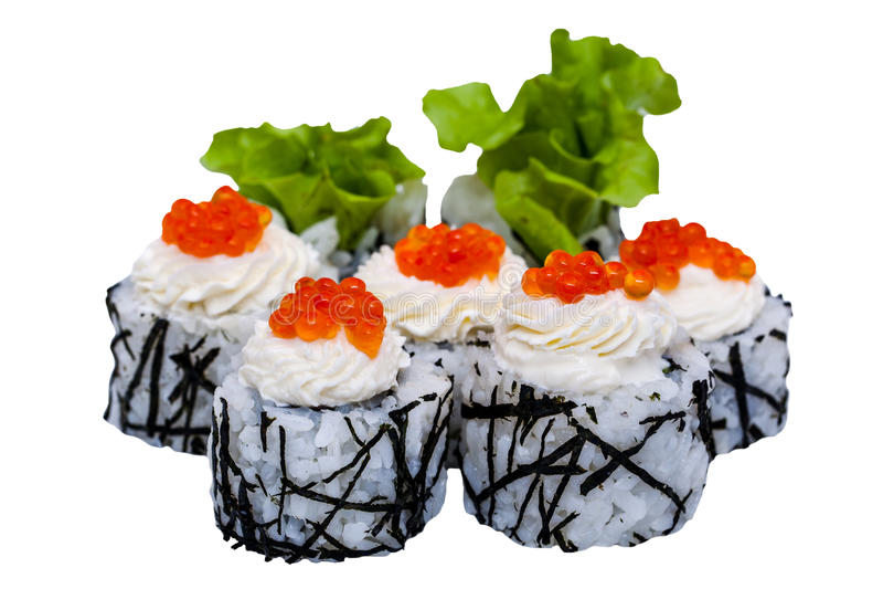 Rotoli di sushi con il caviale isolato su fondo bianco fotografie stock