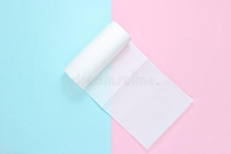 Rotolo degli asciugamani di carta fotografie stock