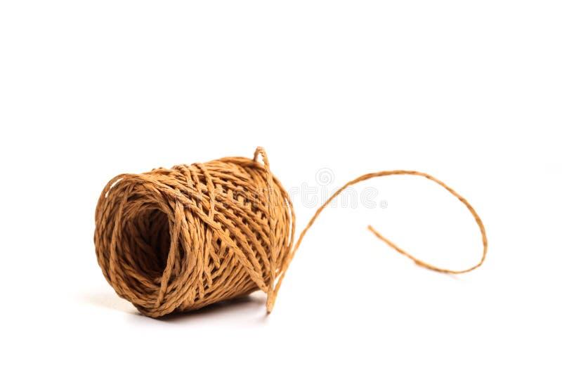 Rotolo della corda della canapa isolato su fondo bianco royalty illustrazione gratis