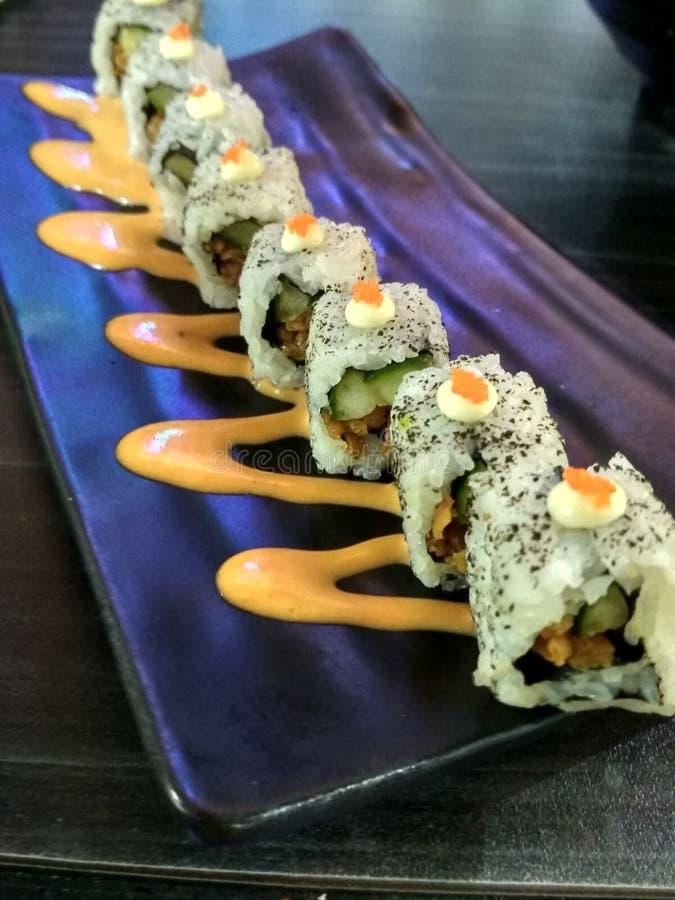 Rotolo di karaage di Enoki dei sushi fotografia stock