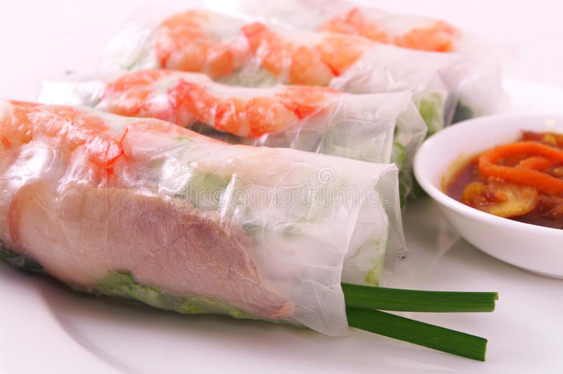 Rotolo di molla del gamberetto e della carne di maiale (cuon) di Goi, cucina vietnamita fotografia stock