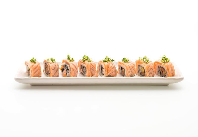 rotolo di sushi di color salmone arrostito - stile giapponese dell'alimento immagini stock libere da diritti