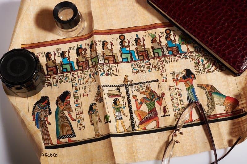 Rotolo egiziano antico spiegato immagine stock