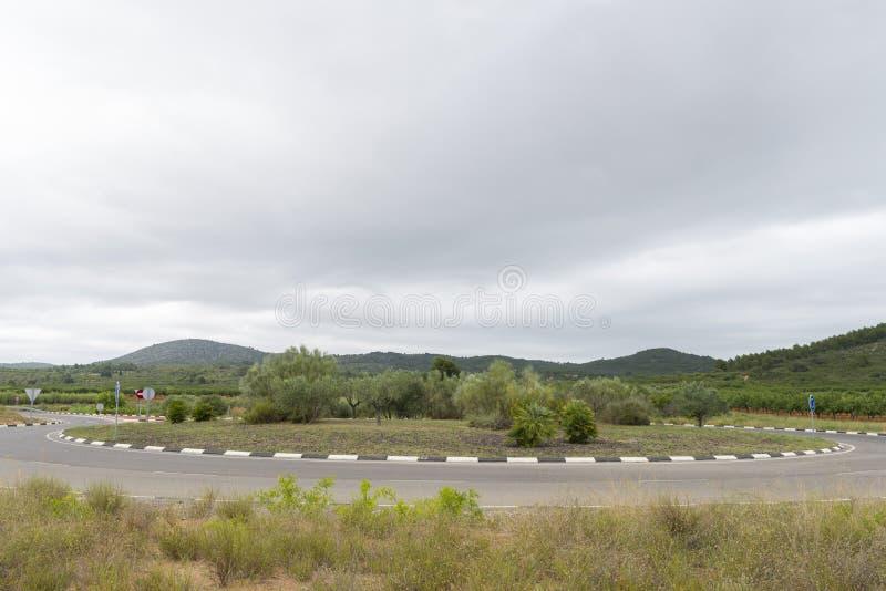 Download Rotonda fotografia stock. Immagine di grigio, scuro, montagna - 56877002