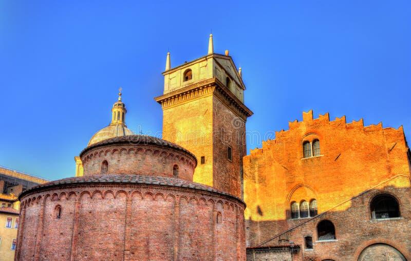 Rotonda di San Lorenzo and Palazzo della Ragione. In Mantua stock images