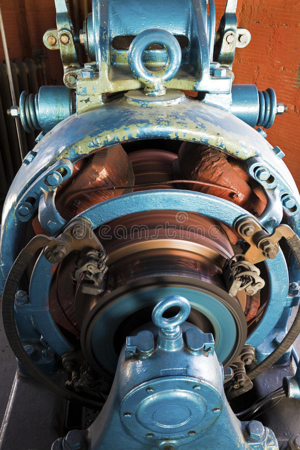 Rotor die in de oude motor werkt stock foto's