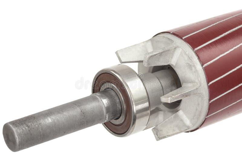 Rotor e rolamento de esferas do motor elétrico, isolado no fundo branco imagem de stock