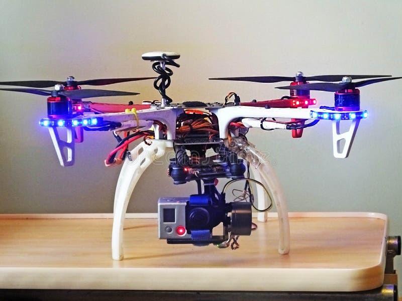 Rotore delle luci della macchina fotografica dell'eroe di gopro hero2 dei puntelli dell'elica del fuco dell'elicottero del quadra fotografia stock libera da diritti